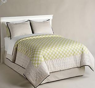 Perfect Jaclyn Smith Green Chain Links Comforter